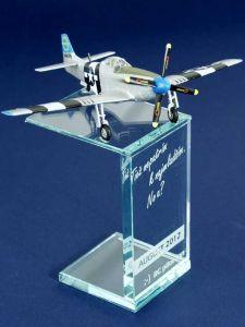 Model lietadla s podstavcom